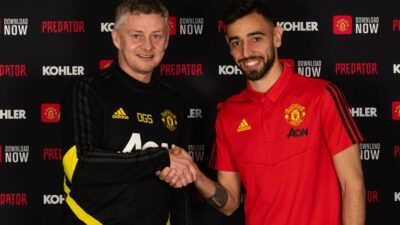 Bruno Fernandes completes move to Manchester United in a £68m deal plus add-ons